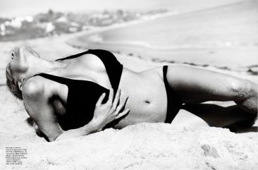 Pamela Anderson Vogue Brasil June 2013 by Mario Testino [Photos] 07