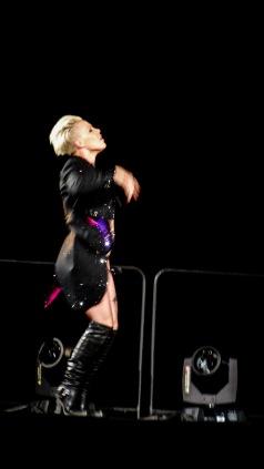 Pink at Perth Arena 2013-31