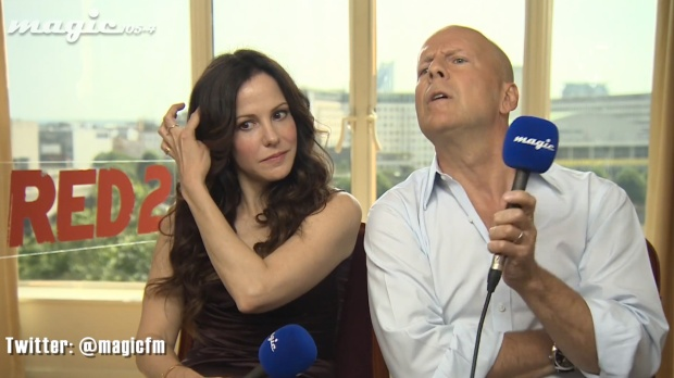 Bruce-Willis'-Most-Awkward-Interview-Ever-feat