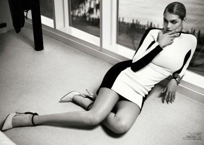 Stunning Kate Upton for Vogue Brasil July 2013 - 04