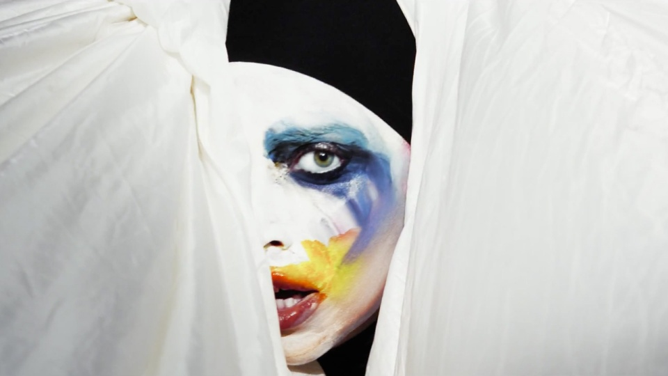 Applause Lady Gaga - expofreeload | 960 x 540 jpeg 89kB