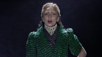 Lady Gaga - Applause | Music Video-11