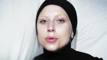 Lady Gaga - Applause | Music Video-12
