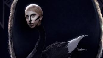 Lady Gaga - Applause | Music Video-18