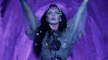 Lady Gaga - Applause | Music Video-19
