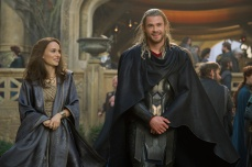 Watch the New Thor- The Dark World Trailer-02