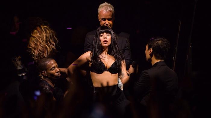 Lady Gaga's Spectacular iTunes Festival 2013 Show-07