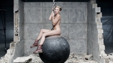Miley Cyrus Wrecking Ball [Music Video] 10