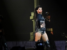 Rihanna Diamonds World Tour 2013 Perth Arena-10