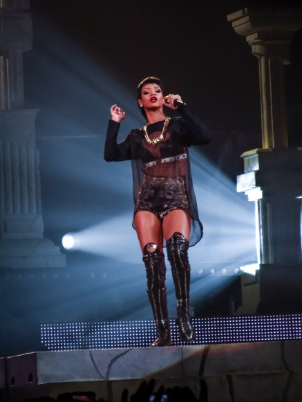 Rihanna Diamonds World Tour 2013 Perth Arena-14