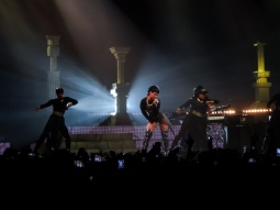 Rihanna Diamonds World Tour 2013 Perth Arena-15