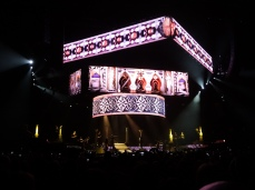 Rihanna Diamonds World Tour 2013 Perth Arena-2
