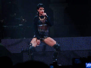 Rihanna Diamonds World Tour 2013 Perth Arena-27
