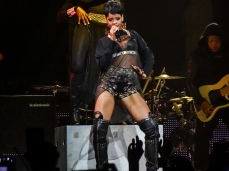 Rihanna Diamonds World Tour 2013 Perth Arena-3