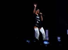 Rihanna Diamonds World Tour 2013 Perth Arena-32