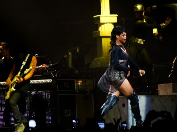 Rihanna Diamonds World Tour 2013 Perth Arena-4