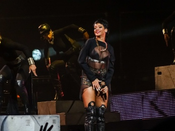 Rihanna Diamonds World Tour 2013 Perth Arena-5