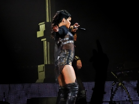 Rihanna Diamonds World Tour 2013 Perth Arena-8