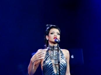 Rihanna Diamonds World Tour 2013 Perth Arena