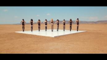 Britney Spears - Work Bitch [Music Video] 02