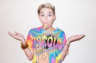 Miley Cyrus Goes Completely Topless In Controversial Naked Photoshoot-05