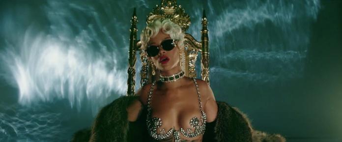Rihanna - Pour It Up (Explicit) [Music Video] 01