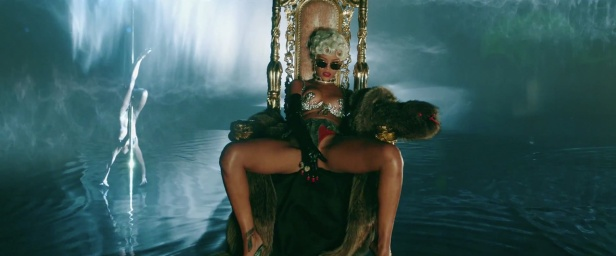 Rihanna - Pour It Up (Explicit) [Music Video] 06