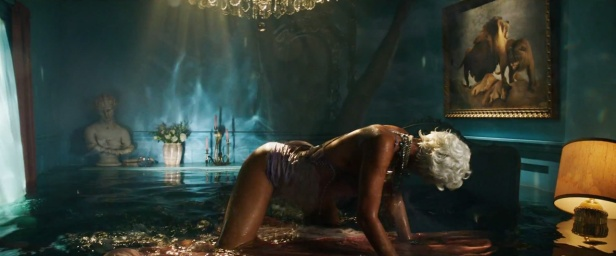 Rihanna - Pour It Up (Explicit) [Music Video] 14