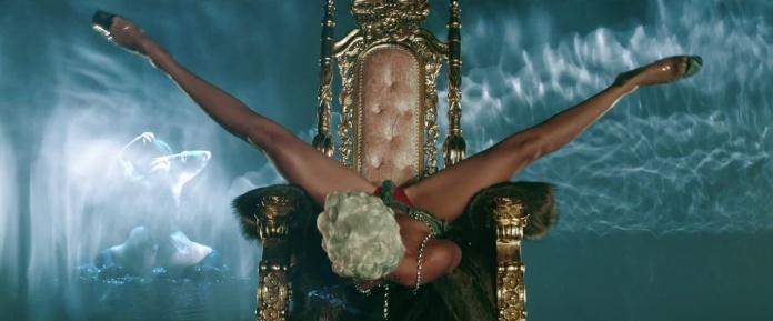 Rihanna - Pour It Up (Explicit) [Music Video] 15