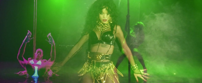 Rihanna - Pour It Up (Explicit) [Music Video] 16