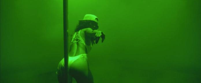 Rihanna - Pour It Up (Explicit) [Music Video] 17