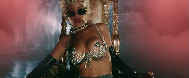 Rihanna - Pour It Up (Explicit) [Music Video] 19