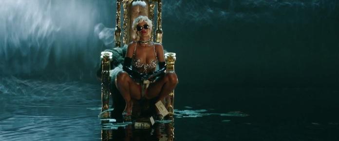 Rihanna - Pour It Up (Explicit) [Music Video] 21