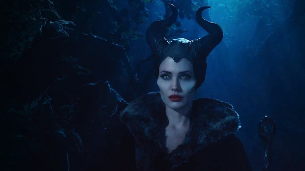 Maleficent-Trailer-Angelina-Jolie-as-the-Classic-Witch-feat