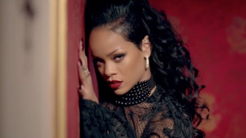 Shakira - Can't Remember to Forget You ft. Rihanna 02