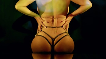 Beyoncé gets sexy in 'Partition' music video (Explicit) 08