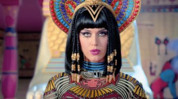 Katy Perry - Dark Horse Music Video 01