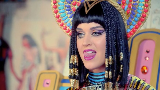Katy Perry - Dark Horse Music Video 03