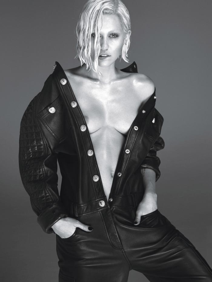 Miley Cyrus Show Nipplein Sexy Jum psuit