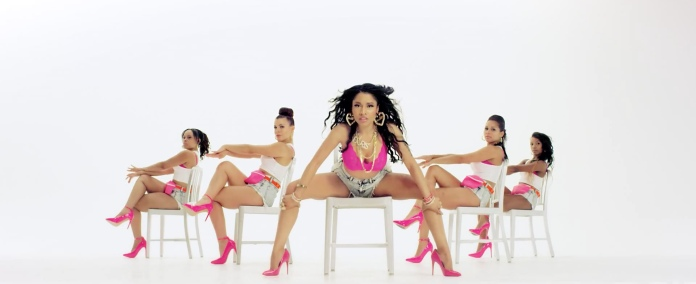 Nicki_Minaj's_Anaconda_Music_Video_Features_Intense_Lapdance_04