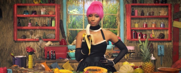 Nicki_Minaj's_Anaconda_Music_Video_Features_Intense_Lapdance_10