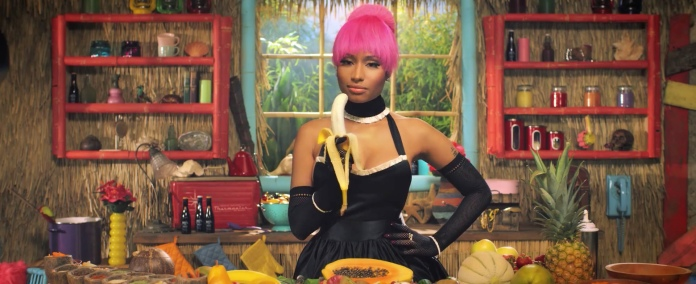 Nicki_Minaj's_Anaconda_Music_Video_Features_Intense_Lapdance_10