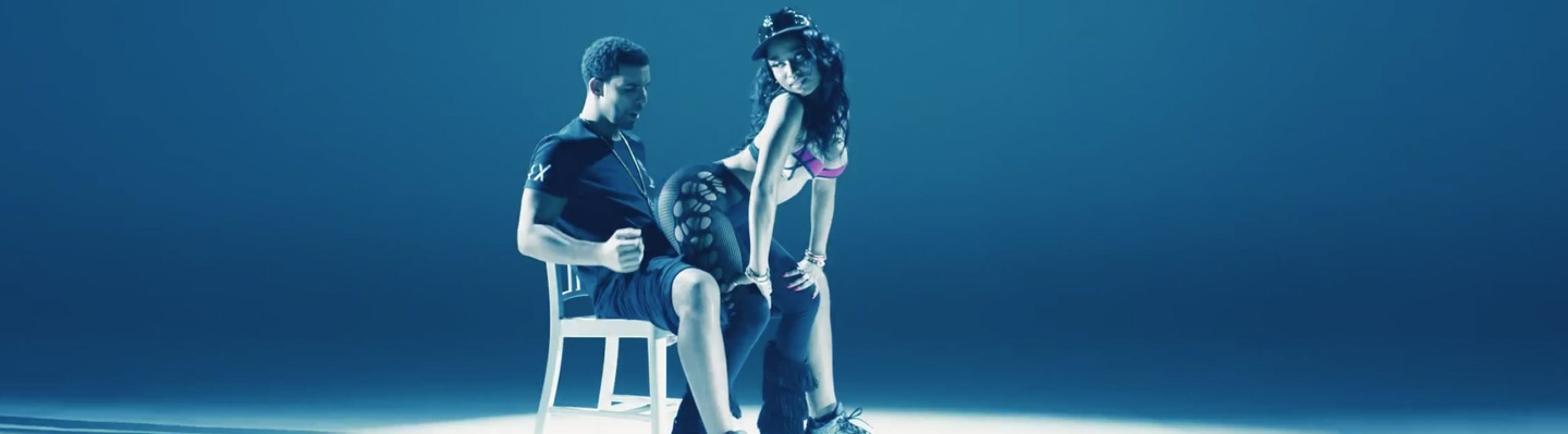 Nicki Minaj's Anaconda Music Video Features Intense Lapdance