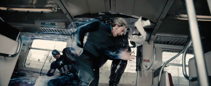 extended-avengers-2-trailer-ultron-crashes-the-party-still-03
