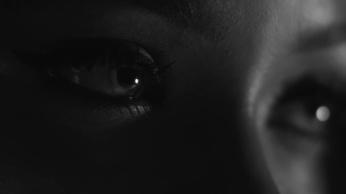 Rihanna-Kiss-It-Better-still-eyes