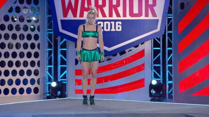 Jessie Graff Supergirl Stuntwoman Makes American Ninja Warrior History Shiny Green1