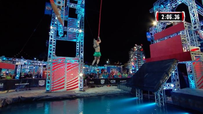Jessie Graff Supergirl Stuntwoman Makes American Ninja Warrior History Shiny Green2