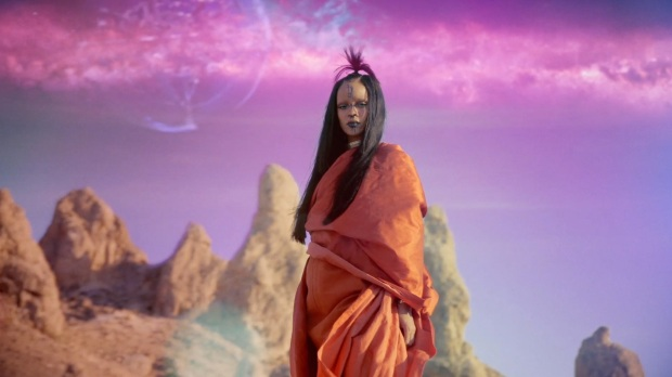 Rihanna Sledgehammer Star Trek Beyond 1