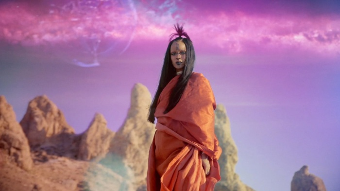 Rihanna Sledgehammer Star Trek Beyond 1